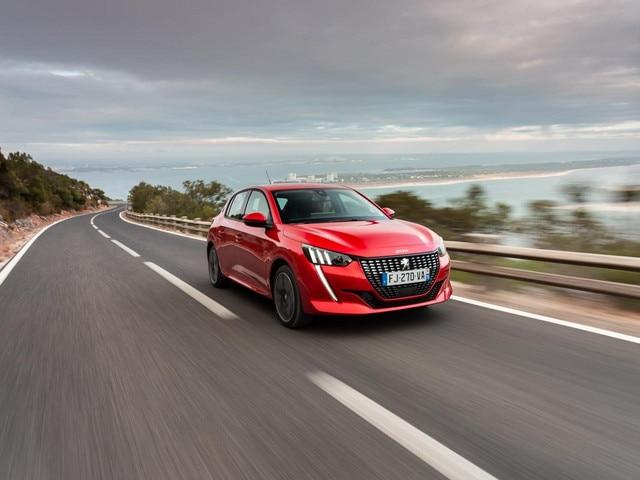 What Car teszt Peugeot e-208