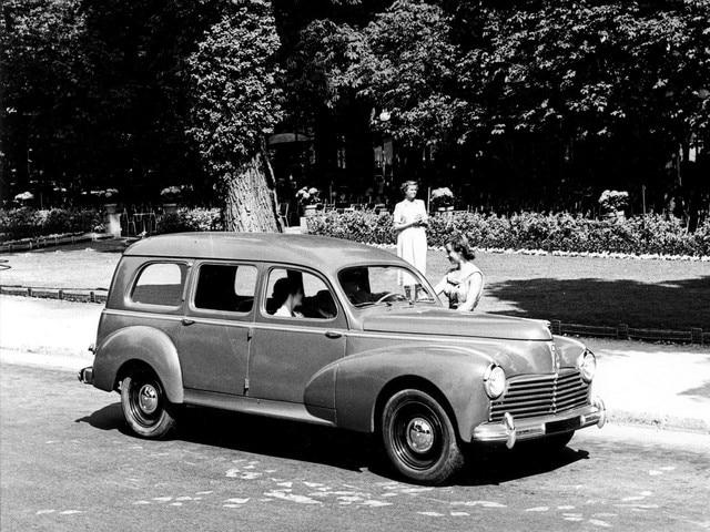 70 éves a Peugeot kombi - 203