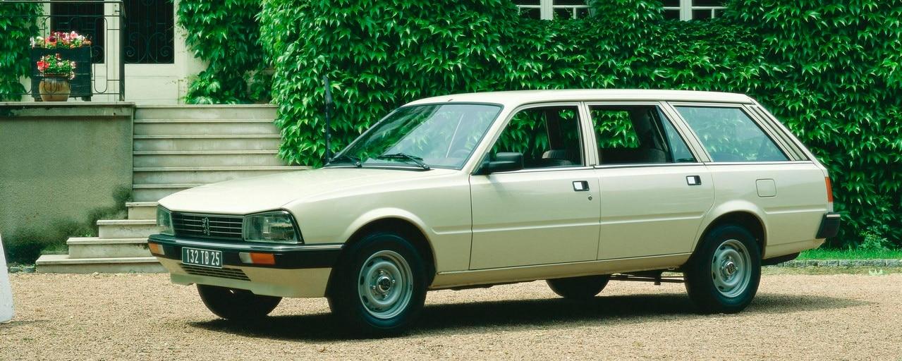 70 éves a Peugeot kombi - 505