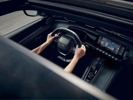 """Peugeot 508 SW - Mirror screen funkció és 10"""" kapacitív érintőképernyő"""