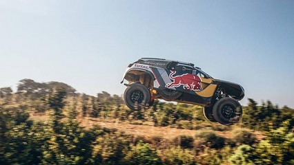 Peugeot_3008_dkr_maxi
